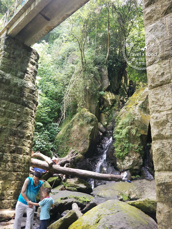 大屯山瀑布區|台北近郊秘境,沁涼一夏 @魚兒 x 牽手明太子的「視」界旅行