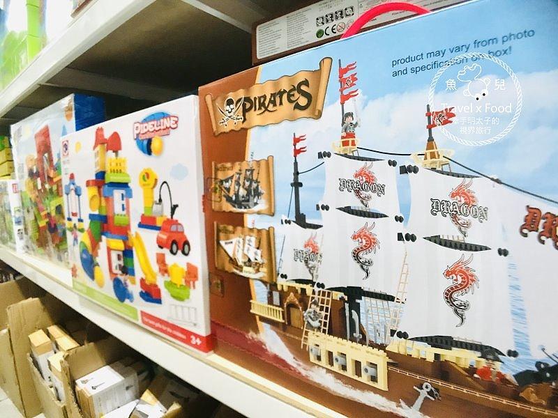 大人小孩都好買,親子採購首選,永康百貨玩具大批發(桃園店) @魚兒 x 牽手明太子的「視」界旅行